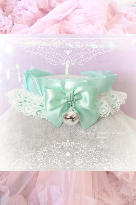 Choker Necklace ,Kitten Play Collar ,Seafoam Mint Green White Lace Ruffles Mint Bow Bell, Fairy Kei pastel Lolita DDLG Daddys Girl