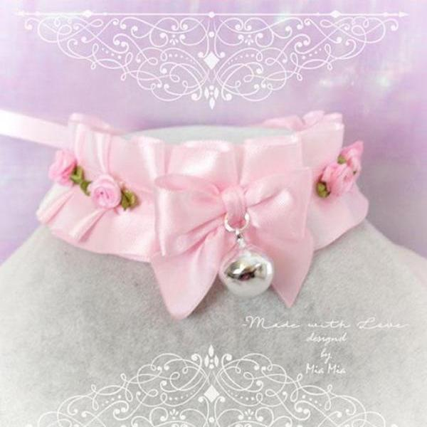 Kitten Pet Play Collar DDLG Choker Necklace Baby pink Sstin Pink Mini Roses Bow Bell ,Daddys Girl Jewelry ,pastel Lolita ,Fairy Kei, BDSM